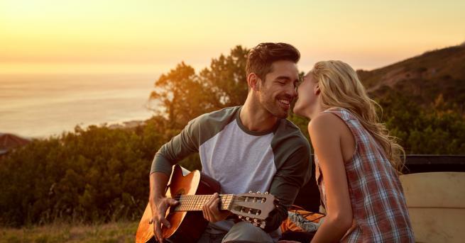 Потопете се в страстна приказка за музика, любов и предателство.