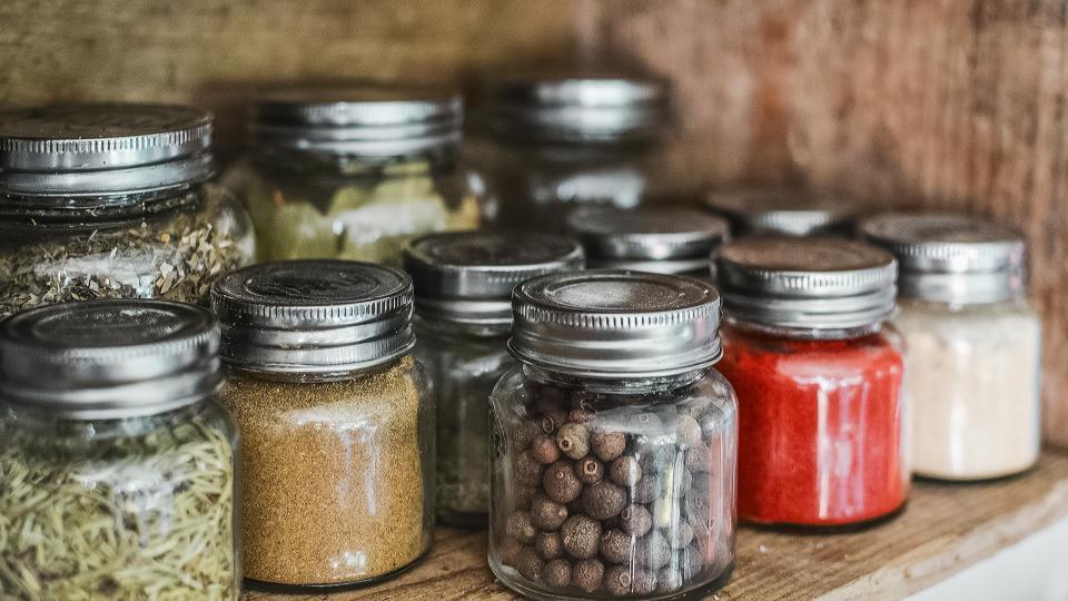 9 основни подправки, които трябва да има във всяка кухня