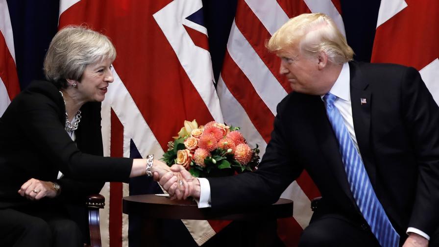 <p><strong>Мей ще посрещне Тръмп на 3 юни. </strong>Пресата: Дните ѝ като премиер са преброени</p>