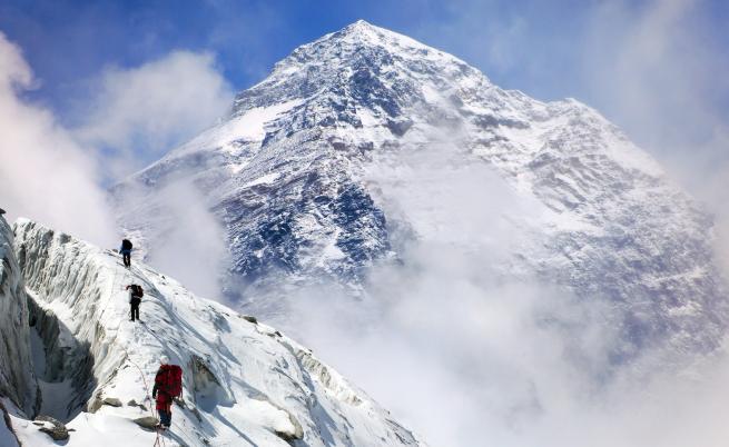 Защо Еверест взема толкова много жертви