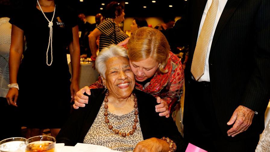 <p><strong>Леа Чейс</strong> &ndash; жената, която готви за Обама, Буш и Мартин Лутър Кинг&nbsp;</p>