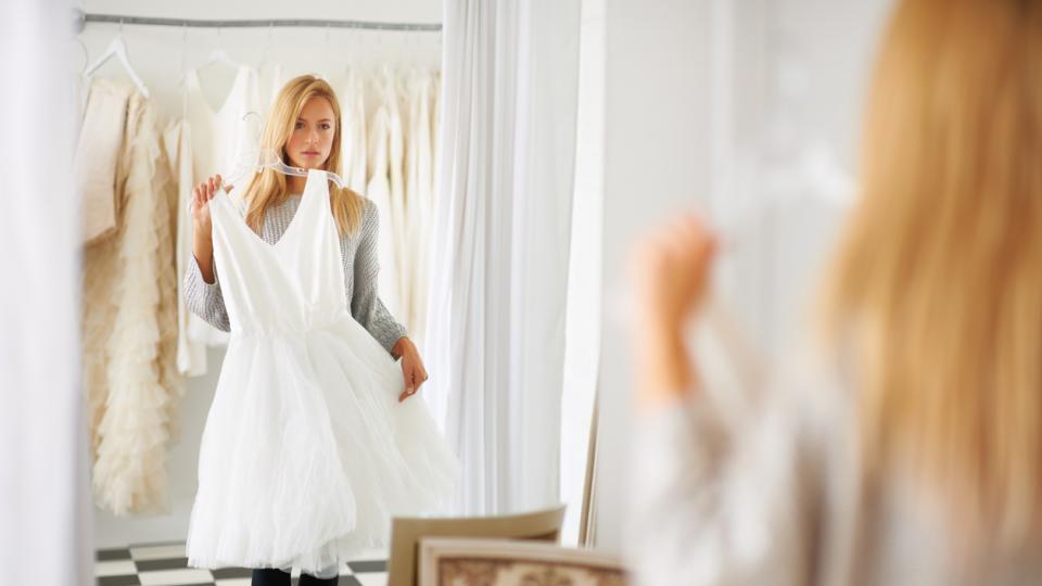 Приказни къси рокли за най-смелите булки