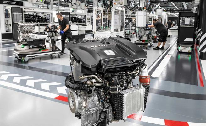 Mercedes показа най-мощния 4-цилиндров двигател в света