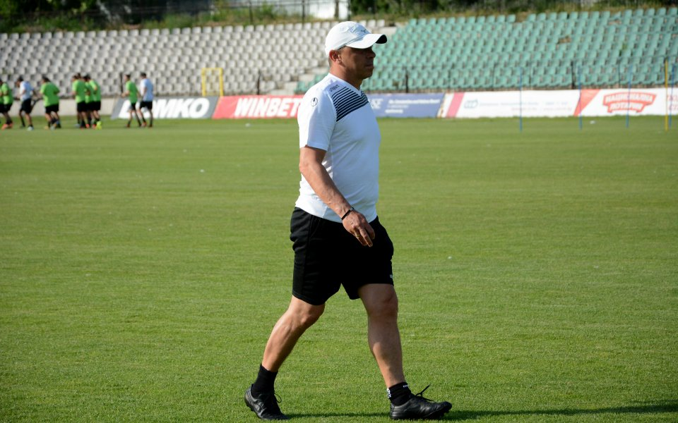 Старши треньорът на Черно море Илиан Илиев разкри, че приоритетна