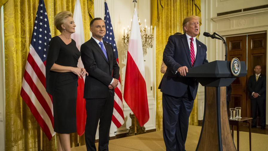 <p>Тръмп сключи супер сделка, а Полша ще плати солено</p>