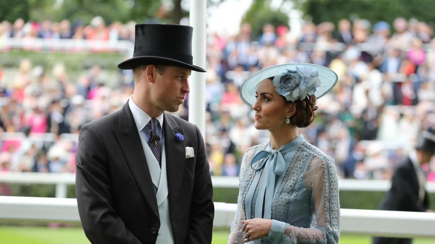 <p>Полицай от охраната на принц Уилям и Кейт <strong>блъсна&nbsp; жена&nbsp;</strong></p>