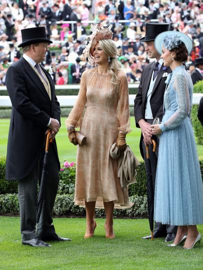 <p>Холандският крал Вилем-Александър, който ден по-рано<strong>&nbsp;</strong>беше обявен за Чуждестранен член на Ордена на жартиерата, и кралица Максима удължиха престоя си, за да бъдат почетни гости на кралица Елизабет Втора по време на Роял Аскот.</p>