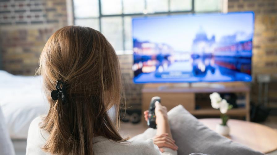 """<p>Смяната на ТВ канали <span style=""""color:#ffbc00;"""">само с един поглед</span> е вече реалност</p>"""
