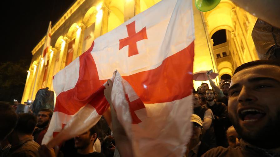 <p><strong>Кървави протести</strong> в Грузия заради Русия</p>