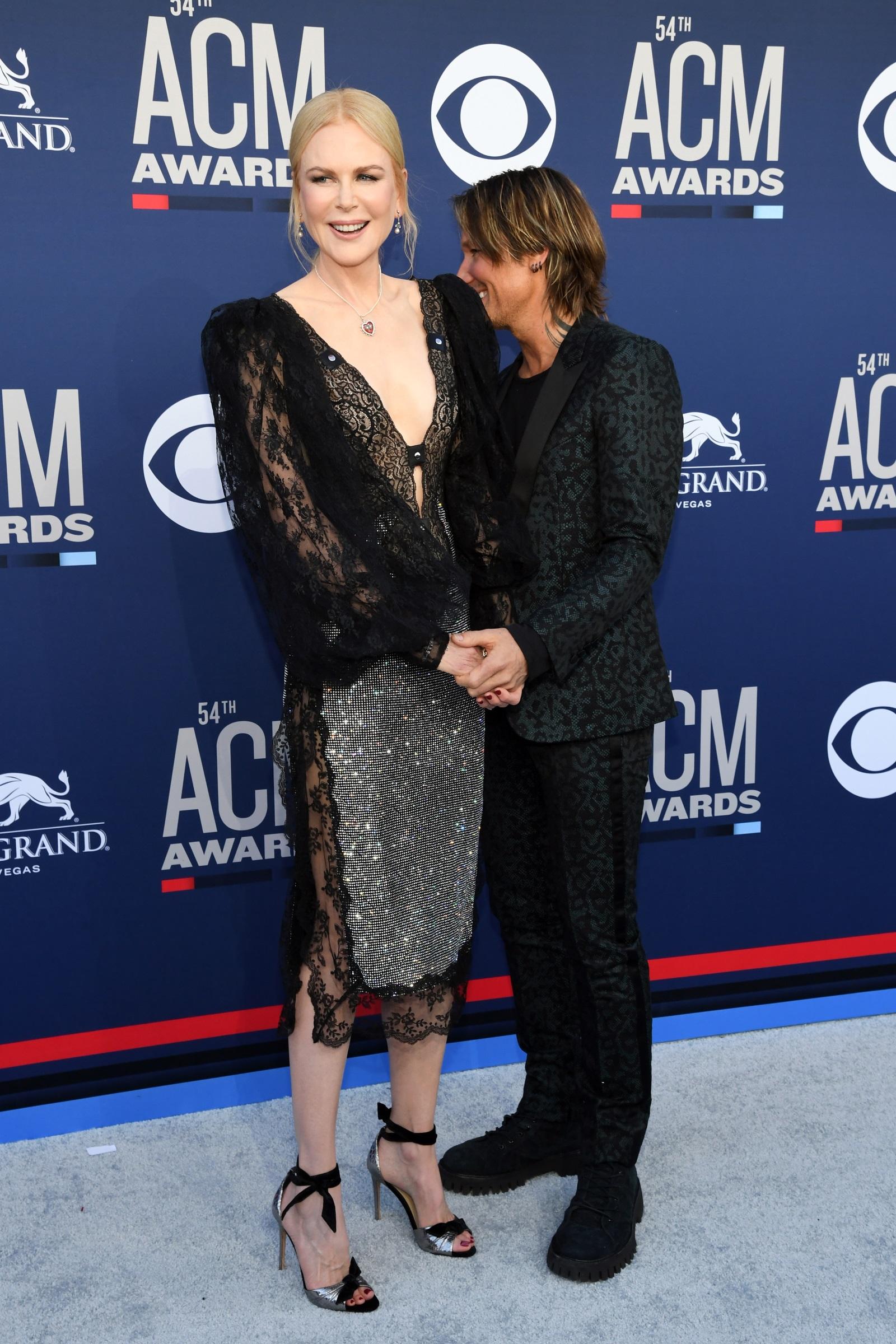 Никол Кидман и Кийт Ърбън<br /> Досега 180-сантиметровата актриса доказа, че не си пада по високи мъже, имайки предвид бившата ѝ половинка Том Круз и сегашния ѝ съпруг - музикантът Кийт Ърбън