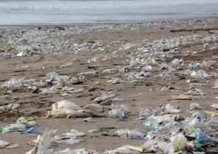 Съоръжението за събиране на боклук в океана отново работи