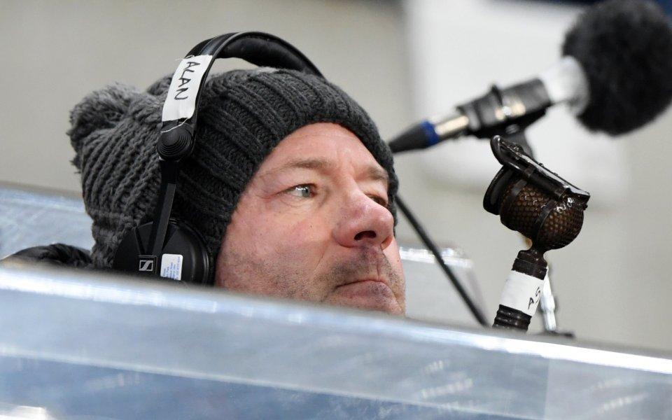 Бившият нападател на Англия Алън Шиърър изрази мнение, че Франк