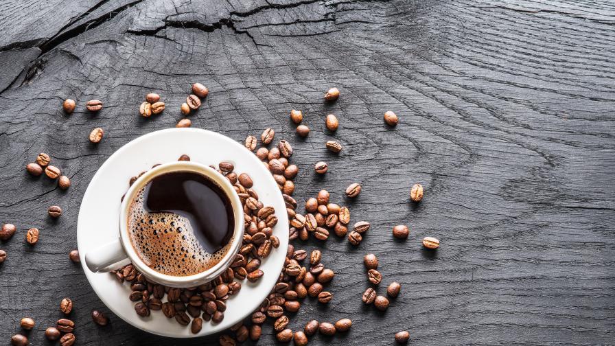 <p>Учените в търсене на съставка в <strong>кафето</strong>, която <strong>гори мазнините</strong></p>