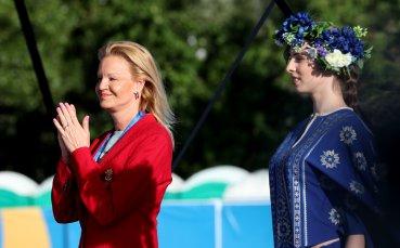 Стефка Костадинова предизвика фурор при награждаването в скока на дължина в Минск