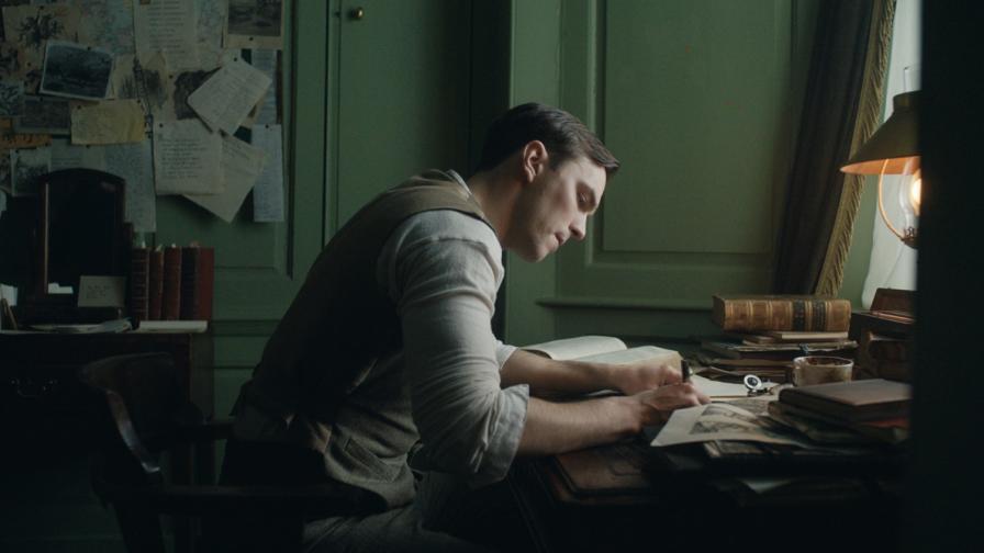 """<p><span style=""""color:#ffbc00;"""">&bdquo;Толкин&ldquo; печели зрителя</span> с въображение и емоция</p>"""