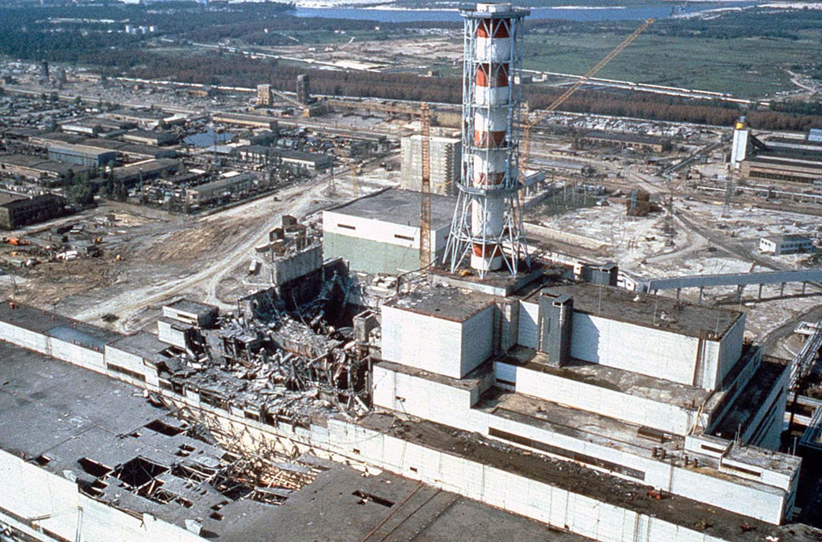 Чернобилската атомна електроцентрала през май 1986 г.