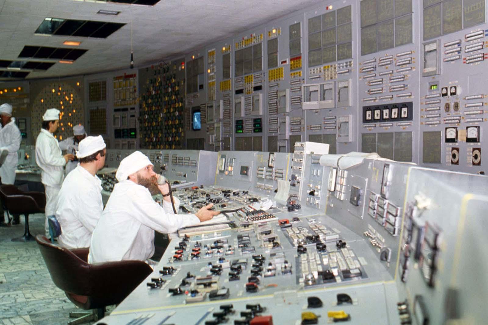 Интериорът на част от Чернобил няколко месеца преди аварията.