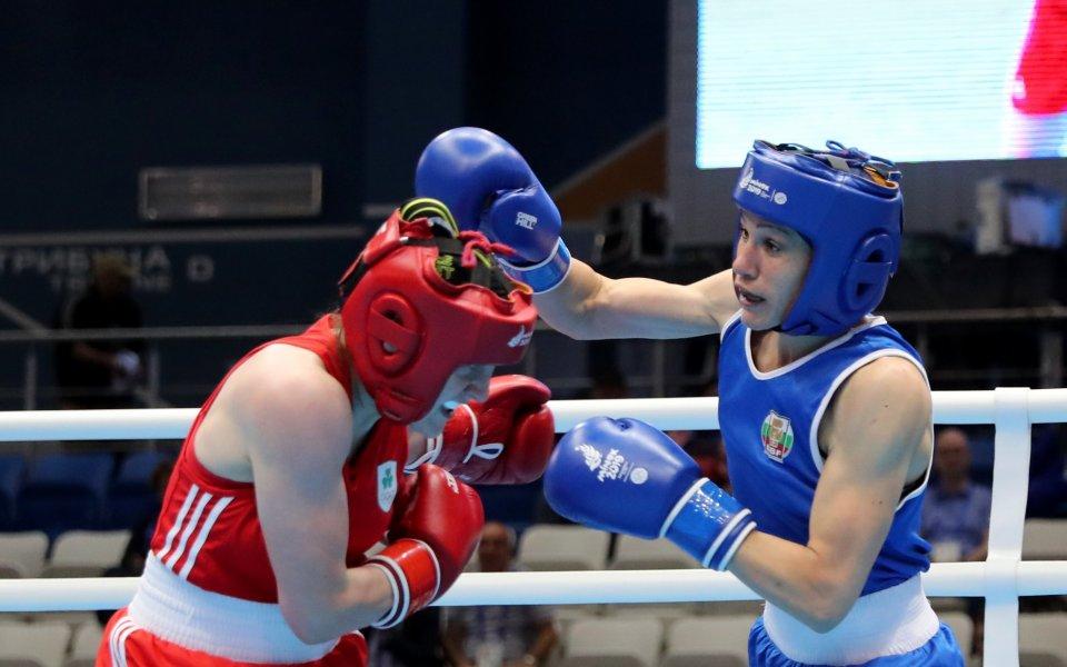 Българските боксьори Станимира Петрова и Даниел Асенов са на победа