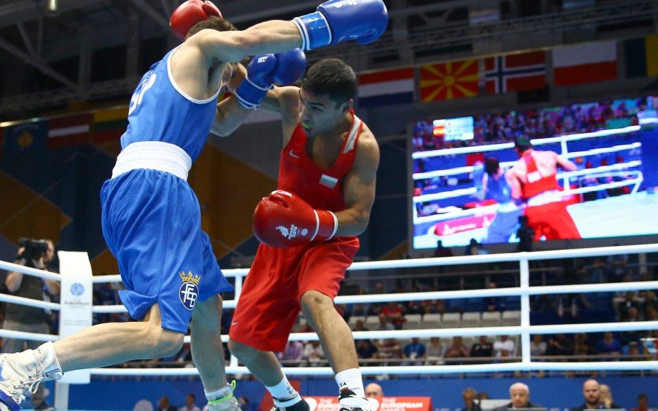 Българският боксьор Даниел Асенов загуби на 1/4-финалите в категория до