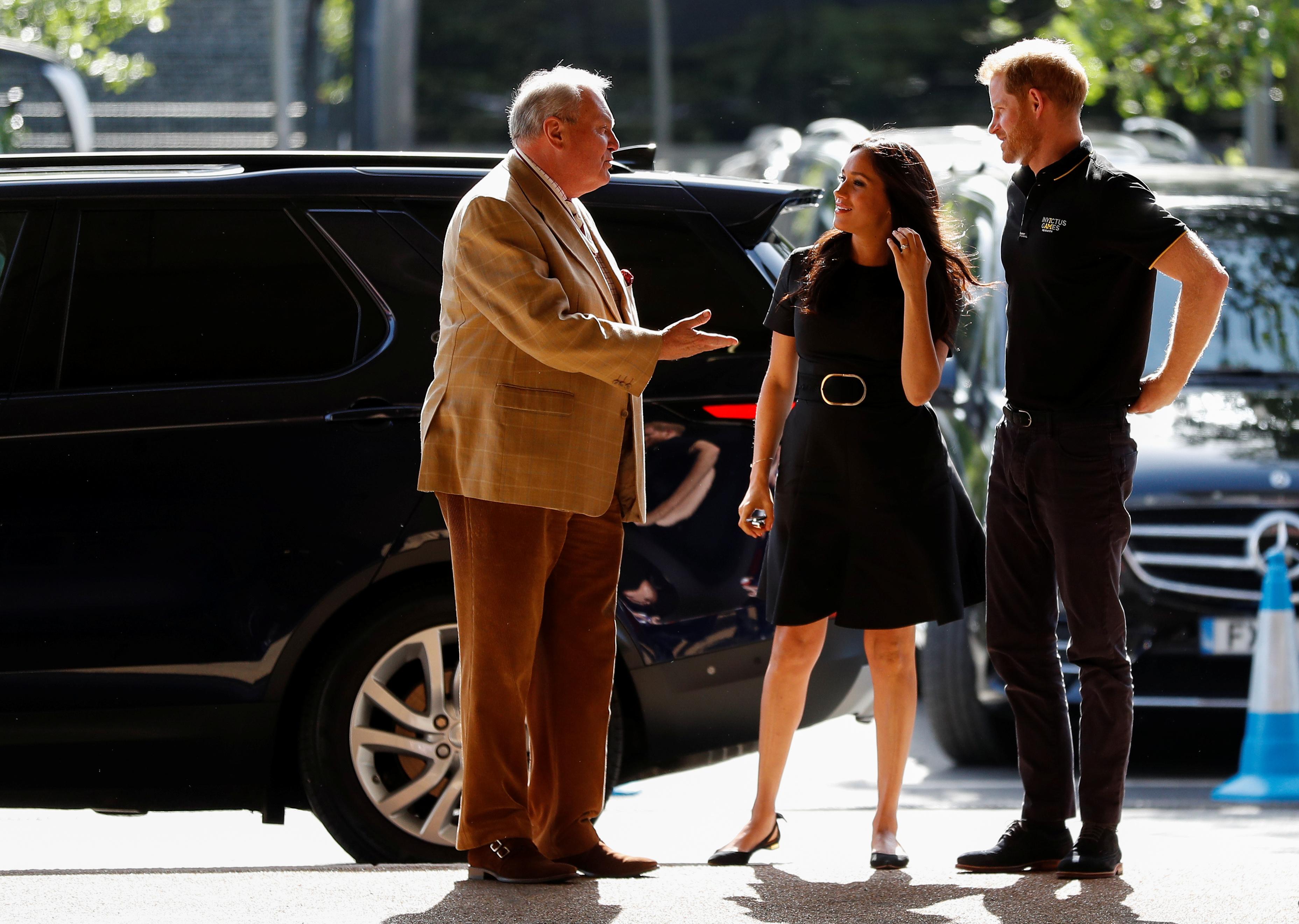 """Принц Хари и съпругата му Меган присъстваха на бейзболен мач между """"Янките"""" и бостънския """"Ред Сокс"""" в Лондон"""