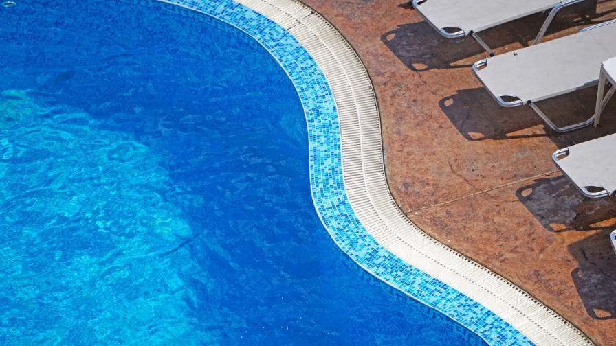 <p>Чисти ли са басейните в страната</p>