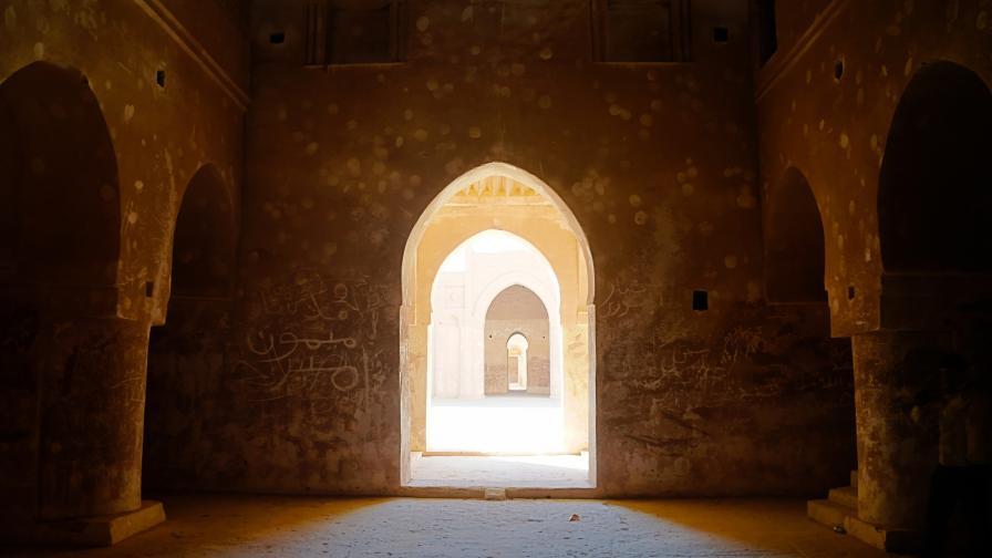 """Дворец на 3400 години """"изплува"""" в Ирак"""