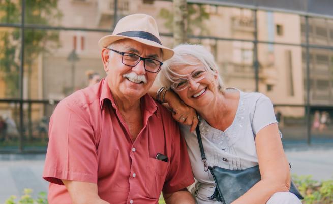 60 години брак! Жена изненада баба си и дядо си по невероятен начин