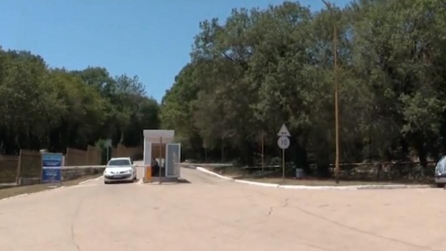 """Граждани: Бариера и 8 лева за паркинг на """"Русалка"""""""
