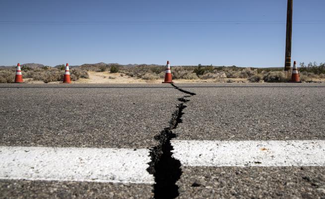 Най-силното земетресение за 25 години удари Южна Калифорния, извънредно положение