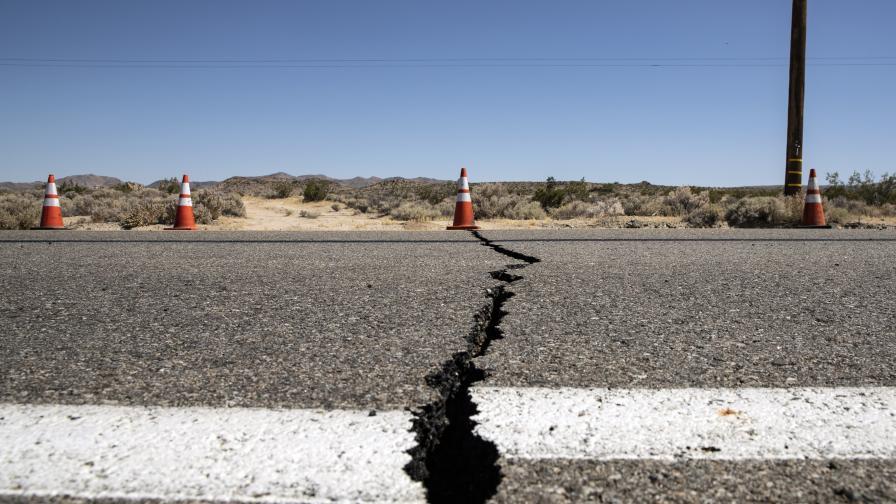 <p>Най-силното земетресение от години&nbsp;удари&nbsp;Южна Калифорния&nbsp;&nbsp;</p>