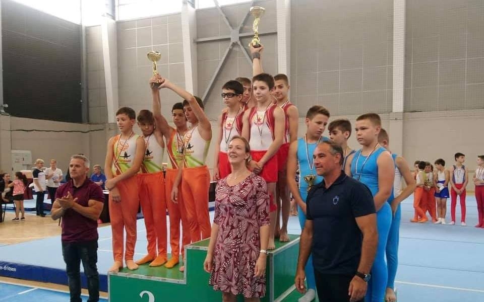 Шампионатът по спортна гимнастика продължава