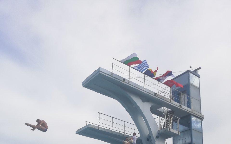 Допинг прекрати кариерата на олимпийски шампион в скоковете на вода