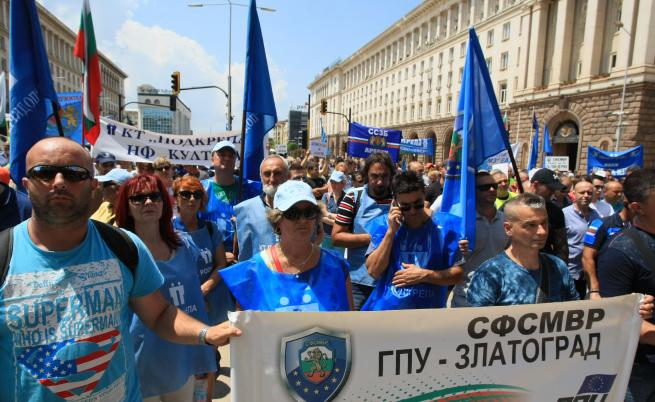 Полицаите протестираха заради заплащането на нощния труд