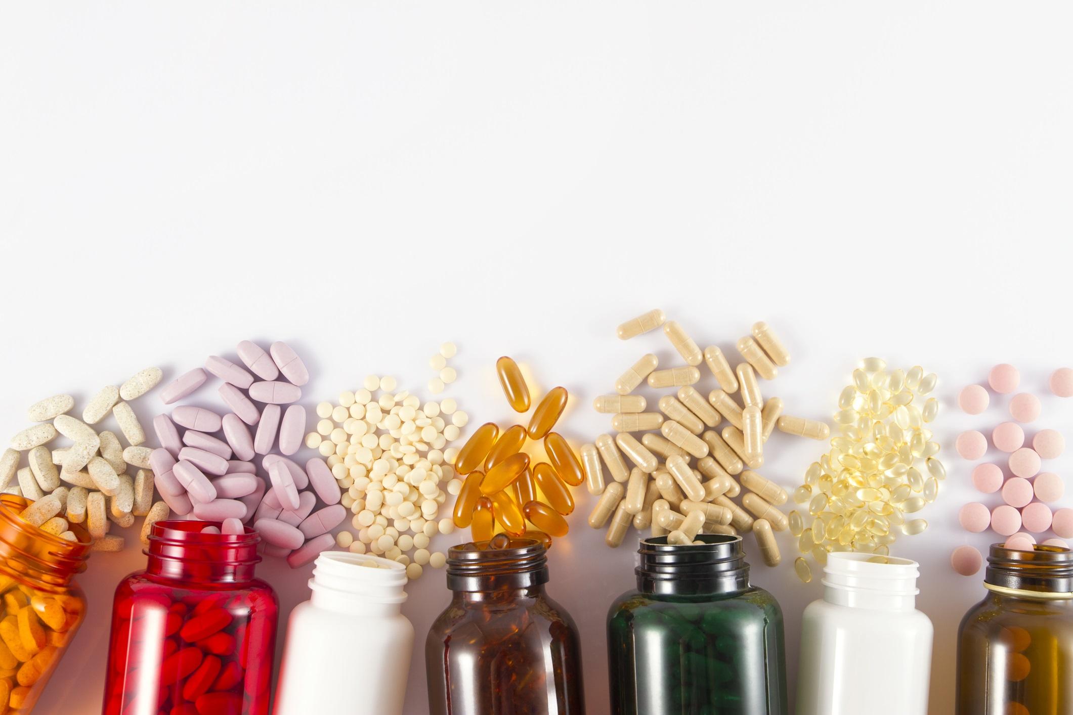 <p>Не вземайте витамини на своя глава<br /> <br /> Прекалено много хора или прекаляват с вземането на добавки, или не приемат никакви витамини. Дефицитът на витамини може да доведе до сериозни здравословни проблеми, но попитайте личния си лекар кои са правилните витамини за вашите нужди.</p>