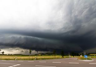 Все повече жертви на бурята Глория в Испания