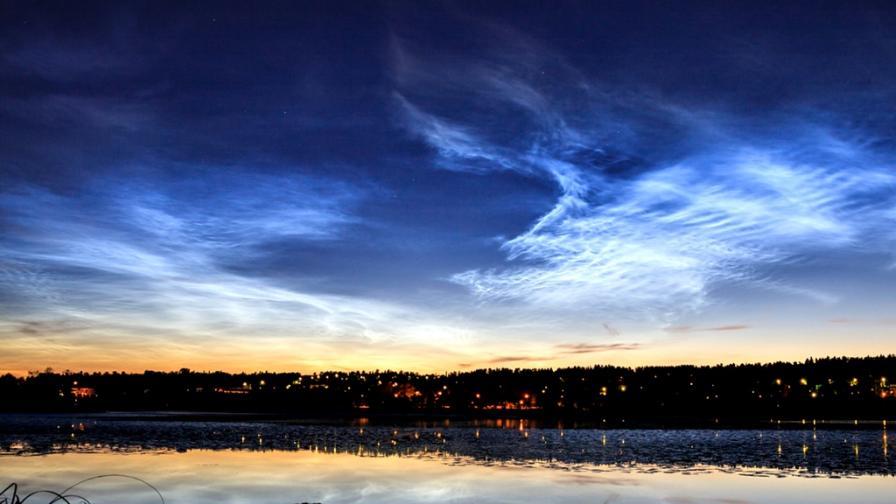 <p>Защо в небето <strong>над Европа</strong> се появиха <strong>светещи облаци</strong>?</p>