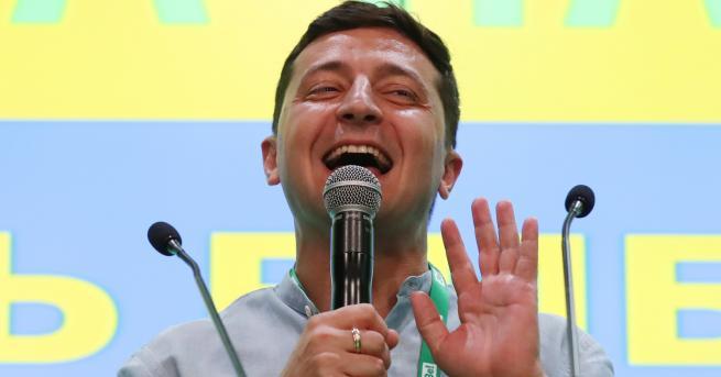 Свят Партията на президента Зеленски печели изборите в Украйна Зеленски