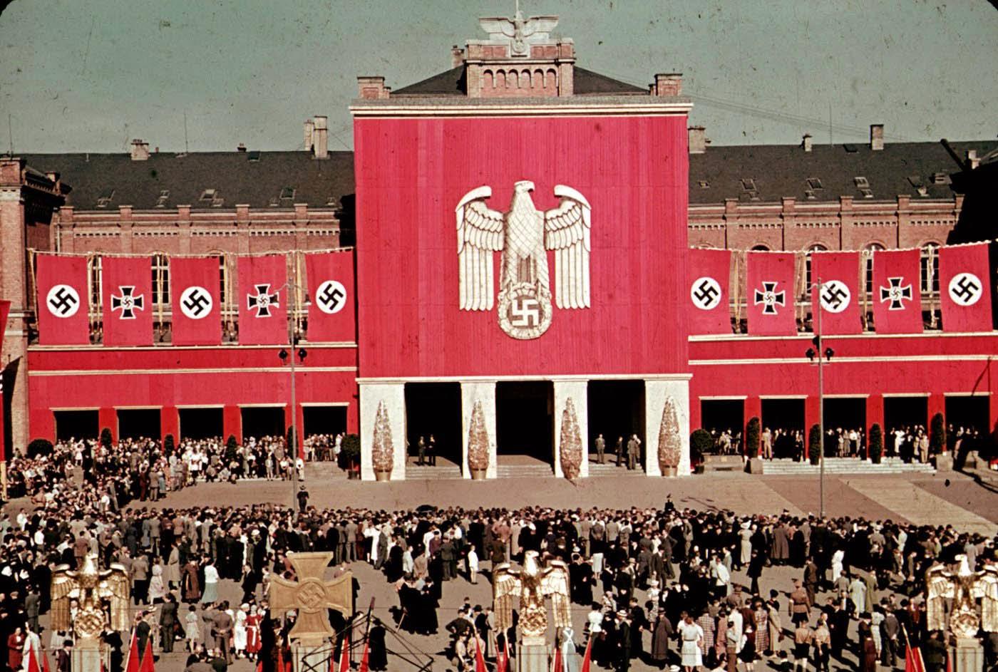 <p>1938: Церемония на Фолксваген в близост до Волфсбург.</p>