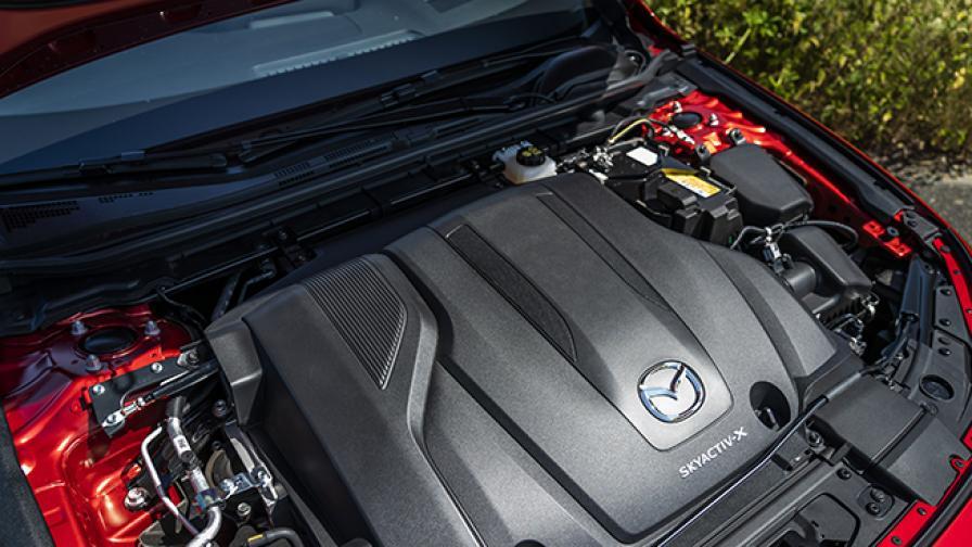 Mazda вярва на ДВГ, подкрепя проучването на нови биогорива