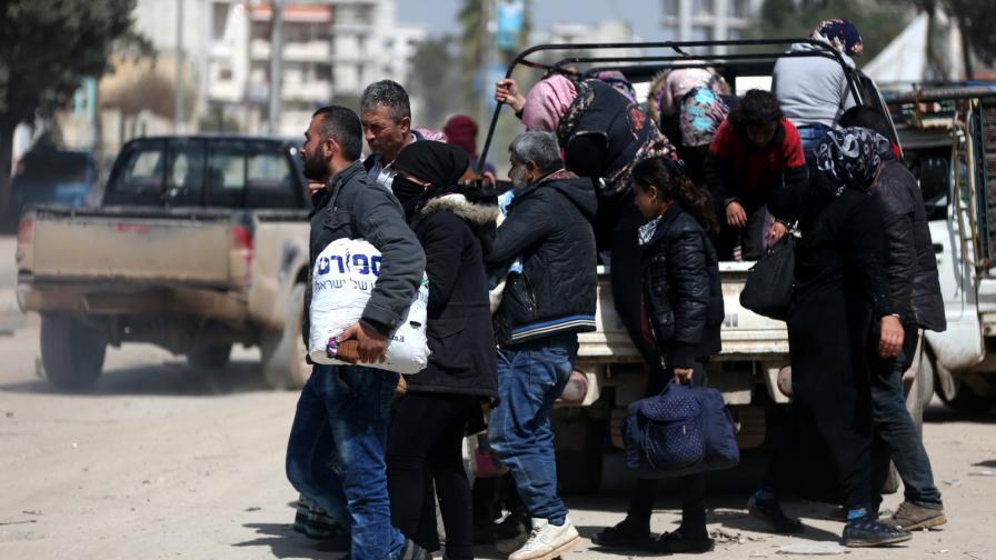 <p>Последни опити да се предотврати <strong>сблъсък между Турция и кюрдите</strong> в Сирия</p>