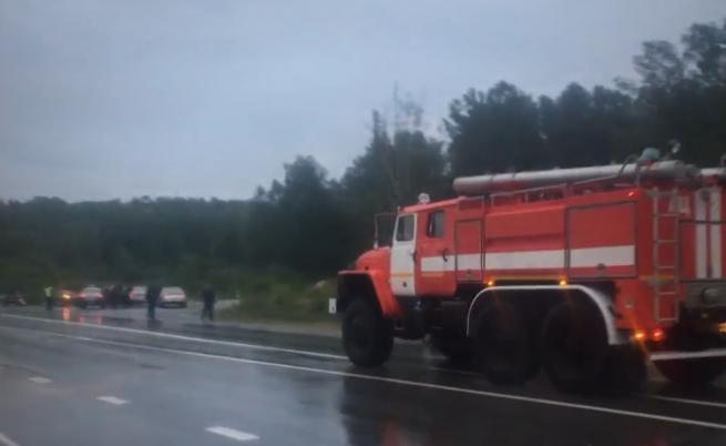 Мълния взриви военен склад в Русия
