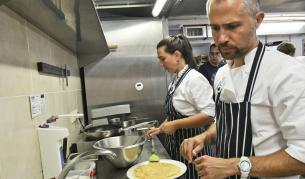 Теленор продължава 5G тестовете си с дистанционно менторство на любители готвачи