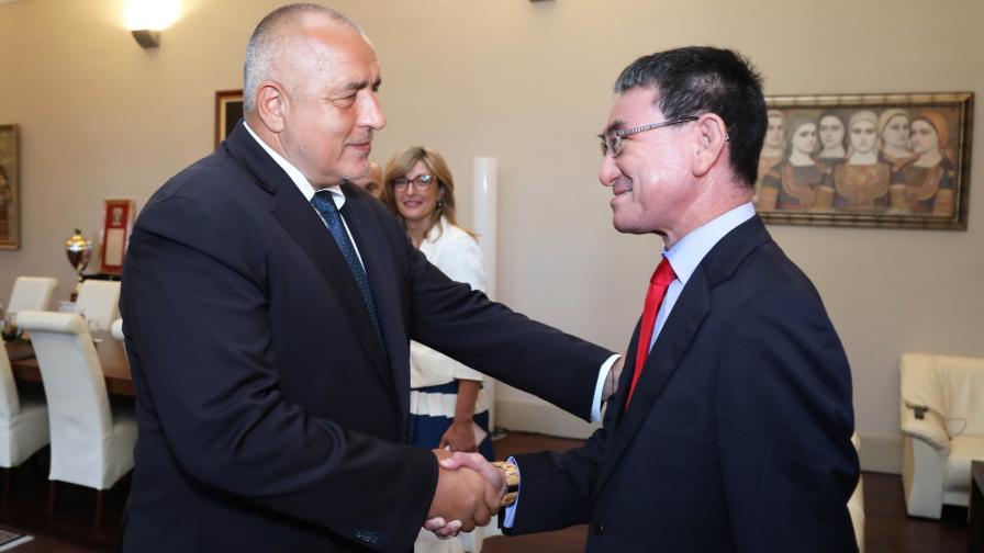 Премиерът Бойко Борисов и външният министър на Япония Таро Коно