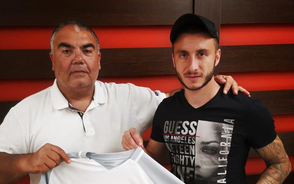 Царско село си осигури услугите на опитния български футболист Антон