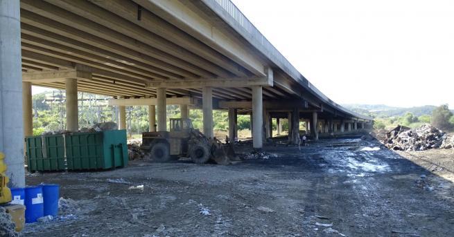 България Прокуратурата разследва пожара на АМ Струма Магистралата остава затворена