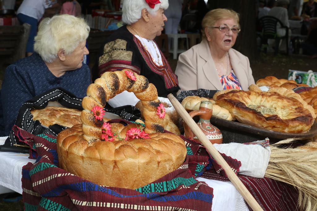 """Празникът """"Панагия"""" се провежда около църкви и параклиси, посветени на """"Успение Богородично"""", и е културна изява за представяне на българската православна традиция и черковно художествено и певческо изкуство."""
