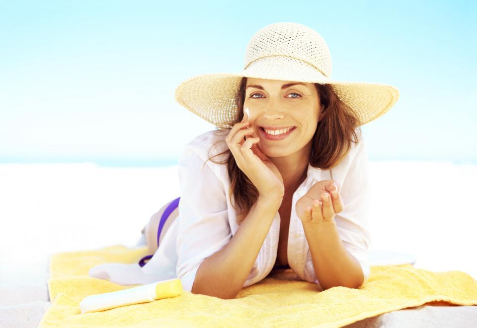 кожа лице лято жена