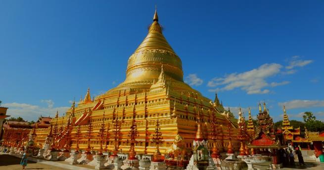 Снимка: Едно уникално място в Мианмар - работилница за златни листчета