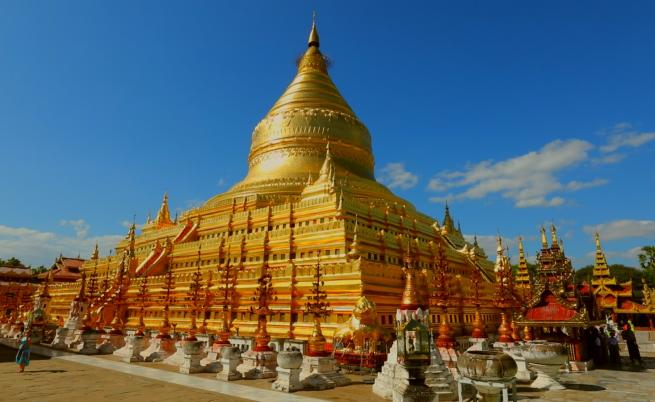 Едно уникално място в Мианмар -  работилница за златни листчета