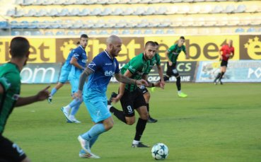 Нефтохимик разби Струмска слава в мач от Втора лига